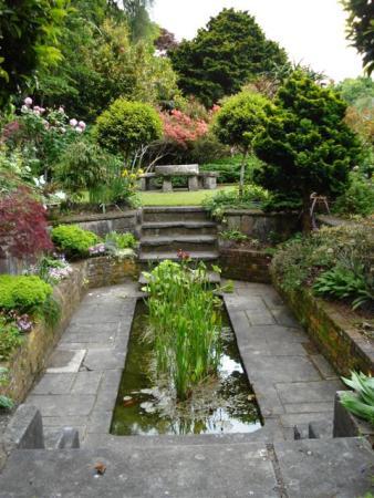 The D.I.Y. Lutyens-style sunken garden