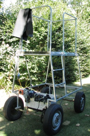 Mobile hedge-trimming platform from Trotts Garden in Canterbury
