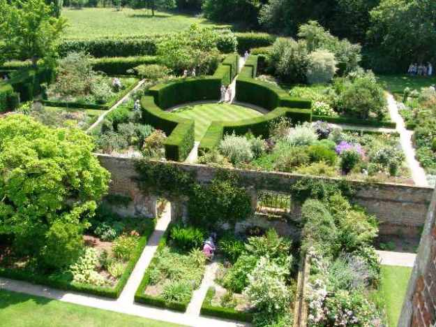 Sissinghurst of course - the inspiration for many, many gardens in NZ. Too many.