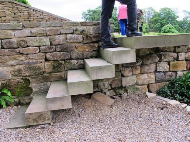 floating or suspended steps